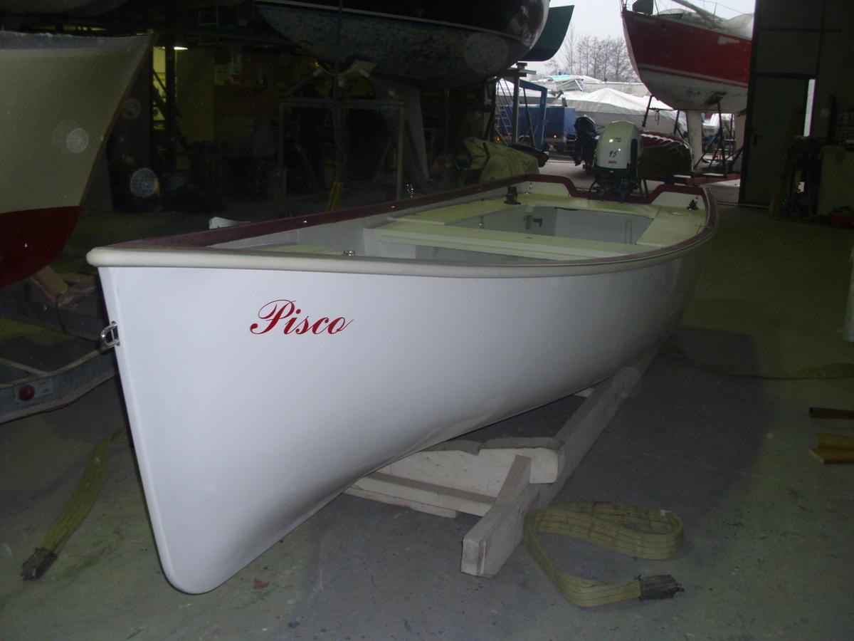 Barca per la pesca in vetroresina