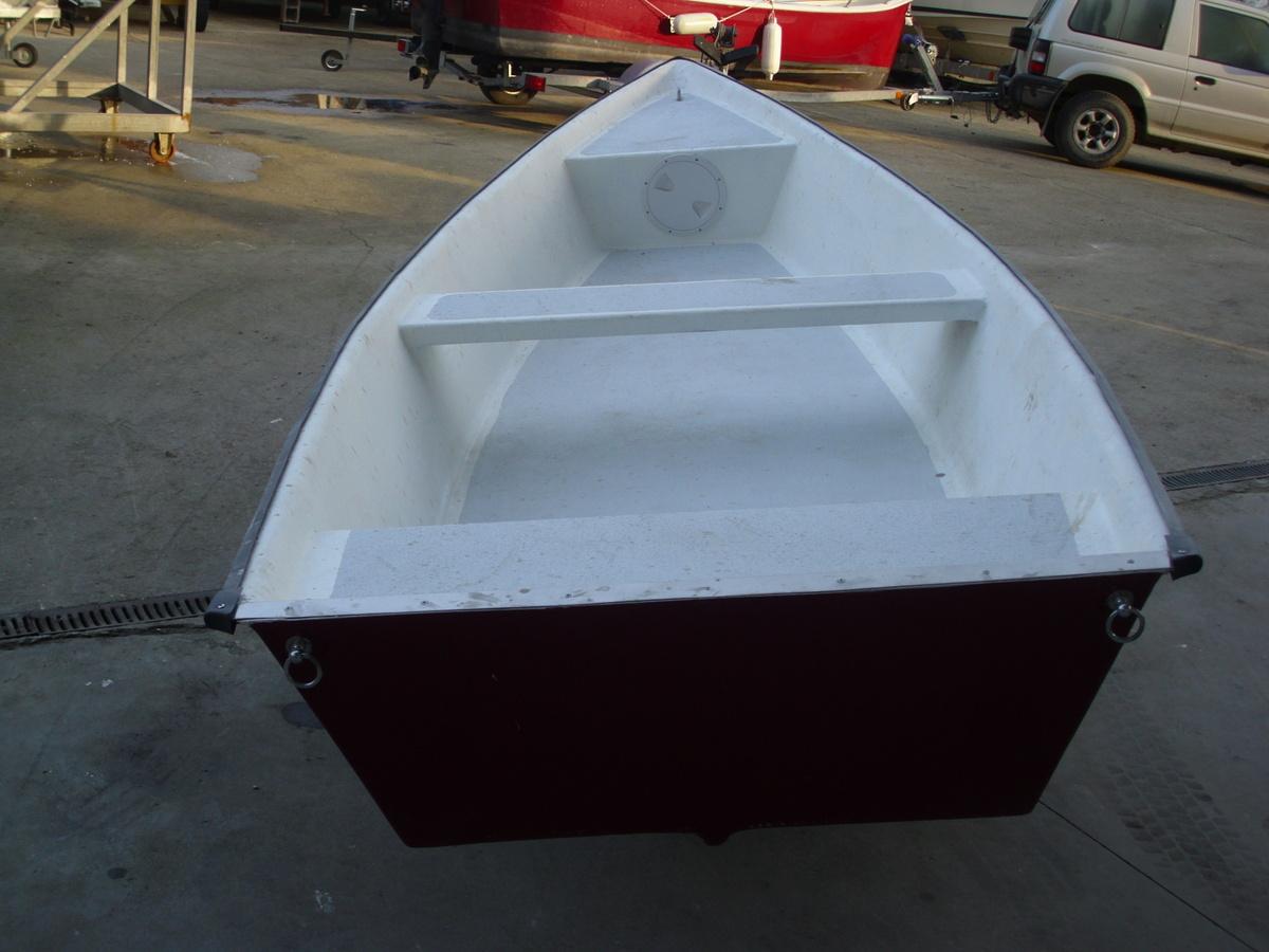 Barca a remi in vetroresina