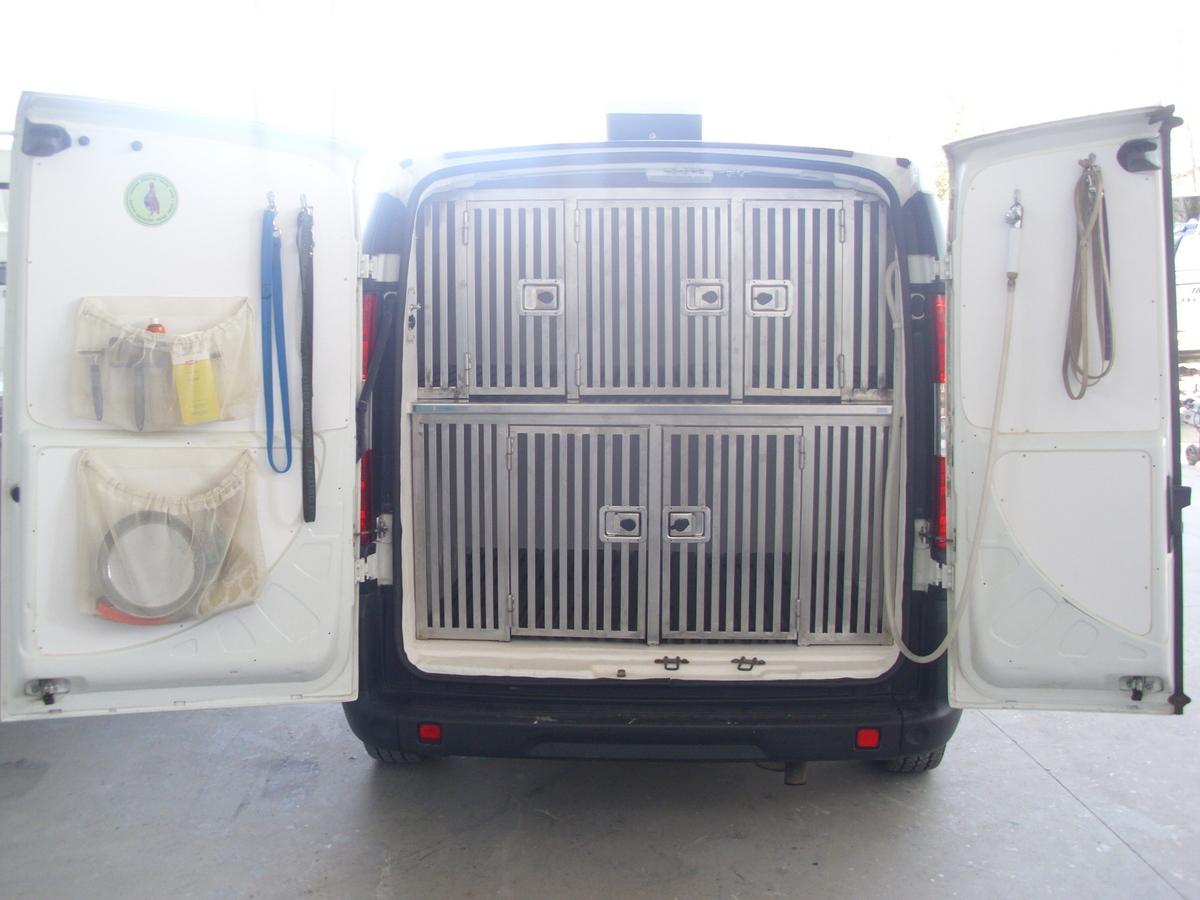 Allestimento Veicolo per trasporto animali