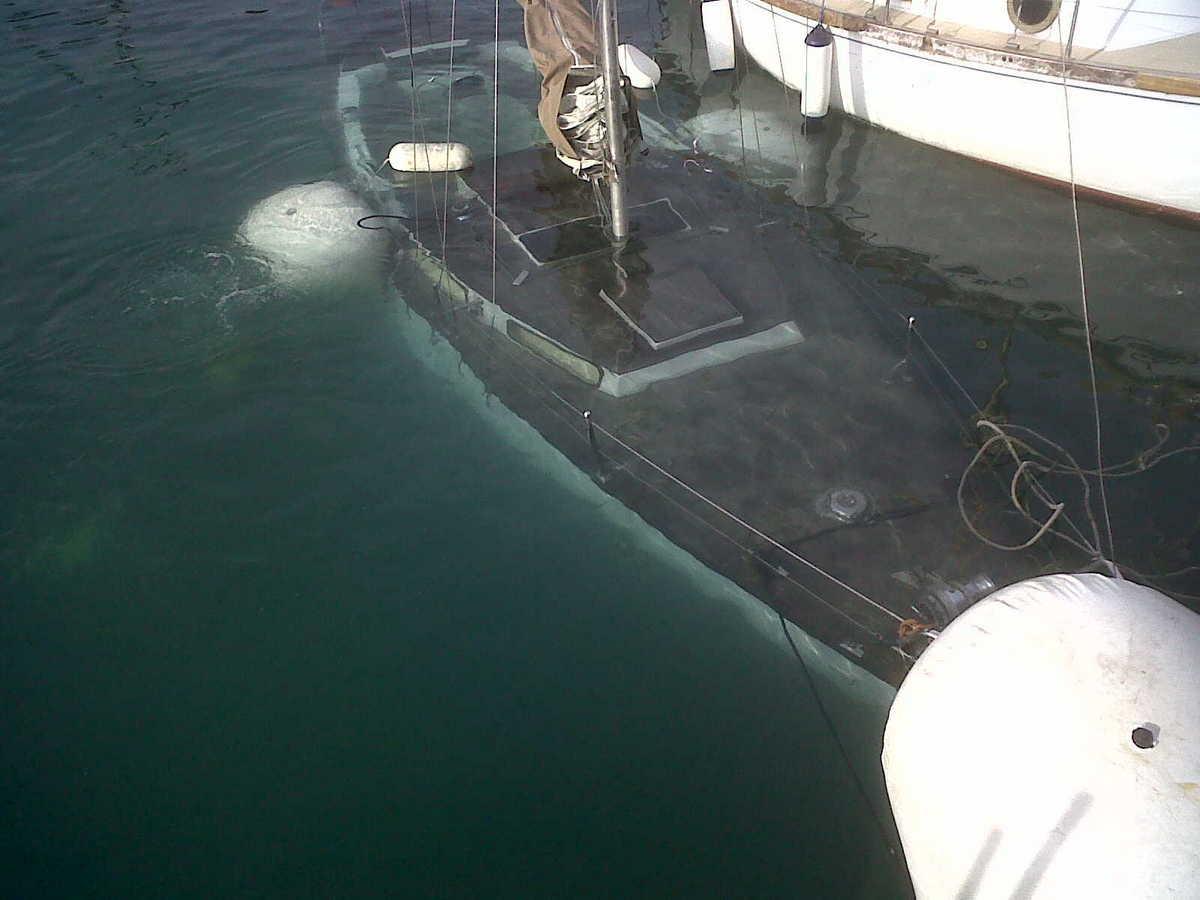 Recupero barca a vela affondata