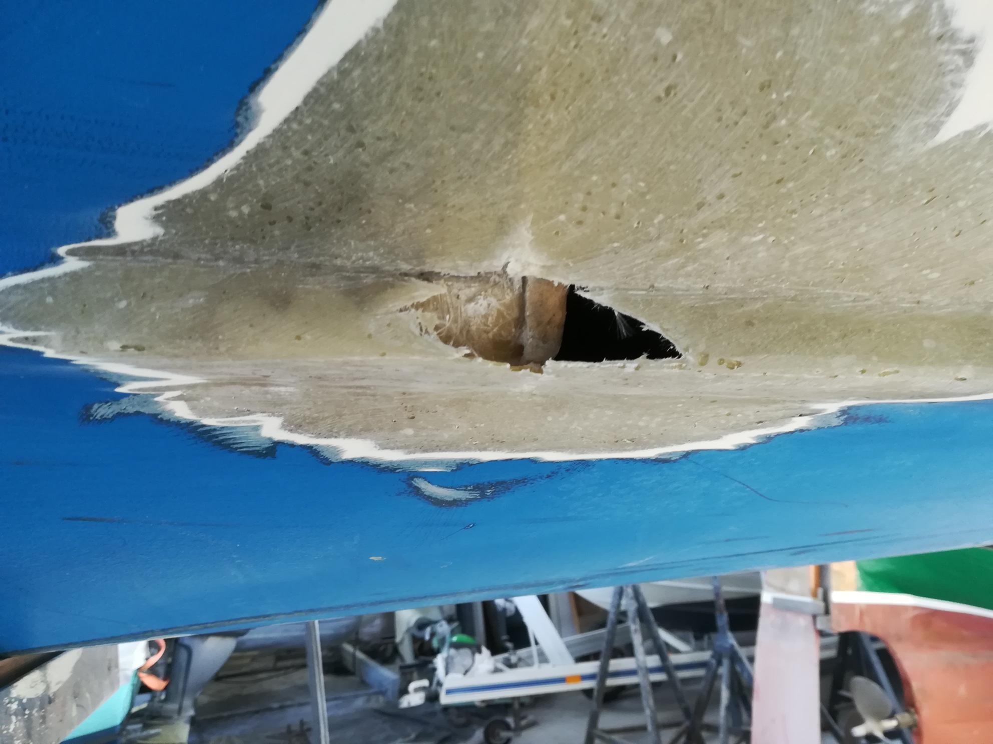 Riparazione vetroresina Barca a Vela