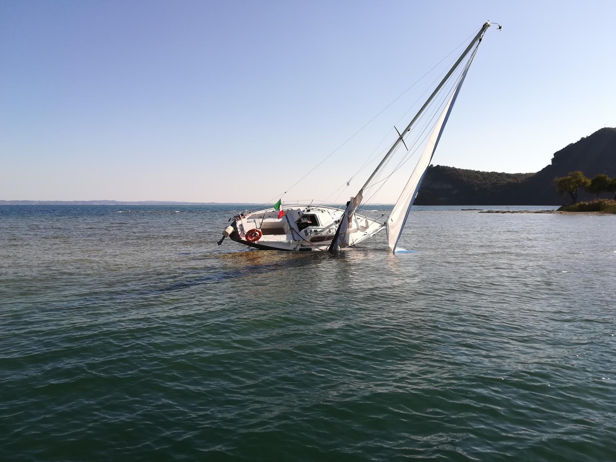 Recupero barca a vela lago di garda
